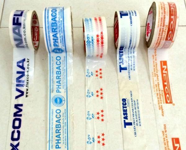 Băng keo in chữ được sử dụng như một cách quảng cáo